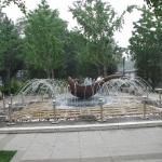 喷水 Fountain